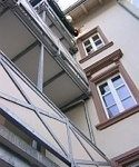 Hausecke mit Balkon